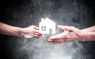 ¿Cómo cambiar de titularidad una casa heredada?