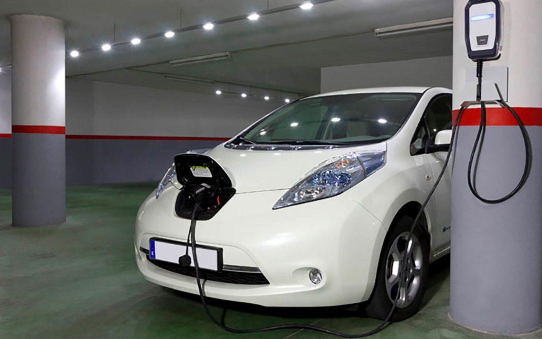 Instalación del primer punto de recarga de vehículos eléctricos en garajes comunitarios de edificios existentes